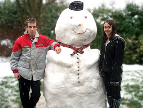couple with snowman